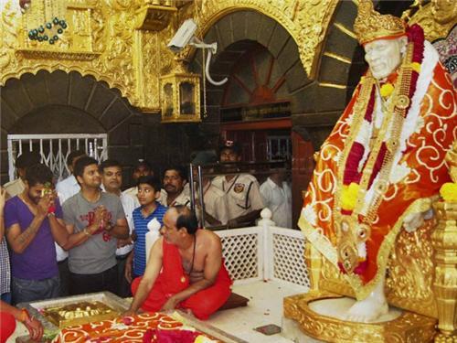 Sai Baba Puja Diwas
