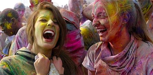 Pakistan Celebrates Holi