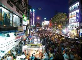 Markets in Chennai offer the most wide range of commodities and brands a customer can aspire for